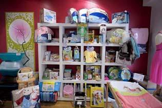 lili sur les pav s d p t vente enfants et futures mamans lyon pu riculture neuf. Black Bedroom Furniture Sets. Home Design Ideas